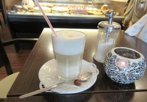 Café Beis: Milchkaffee