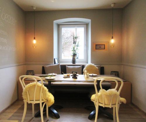 Julias Café - gemütlicher Sofaplatz