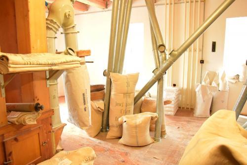 Der Mehlboden der Lehenmühle: Hier kommt das Mehl in den Sack