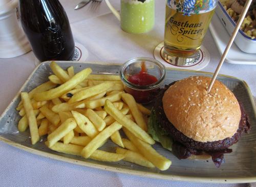 Chia Kürbis Burger im Gasthof Spitzer